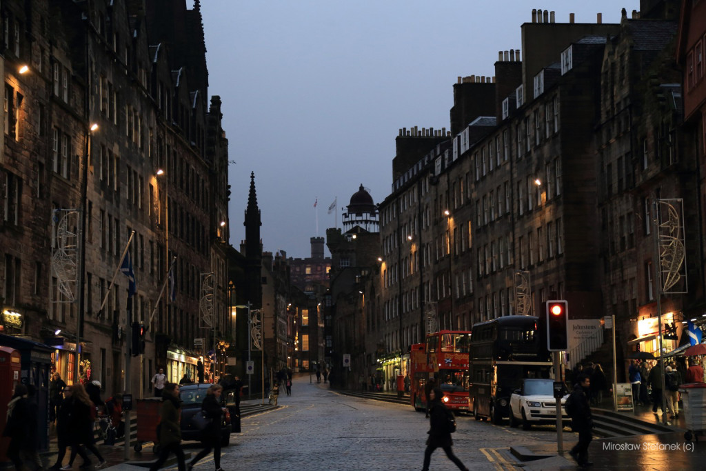 Edynburg nocą