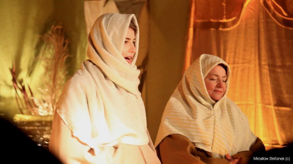 Przyszła młoda matka - Maryja i przyszła stara matka - Elżbieta...