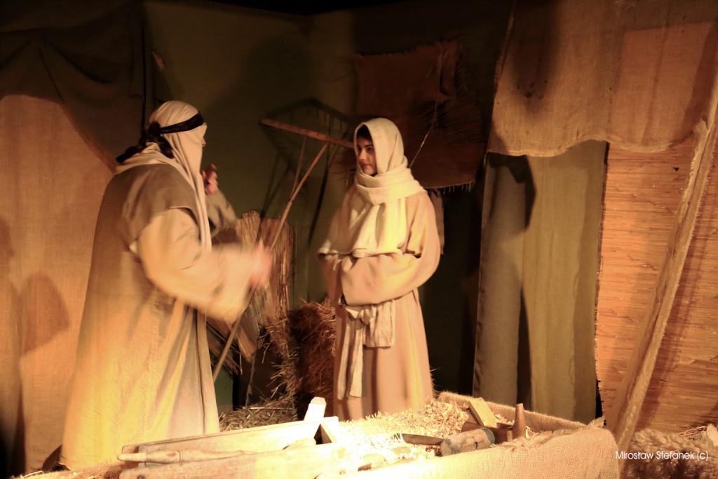 Maryja zanosi wieść Józefowi.