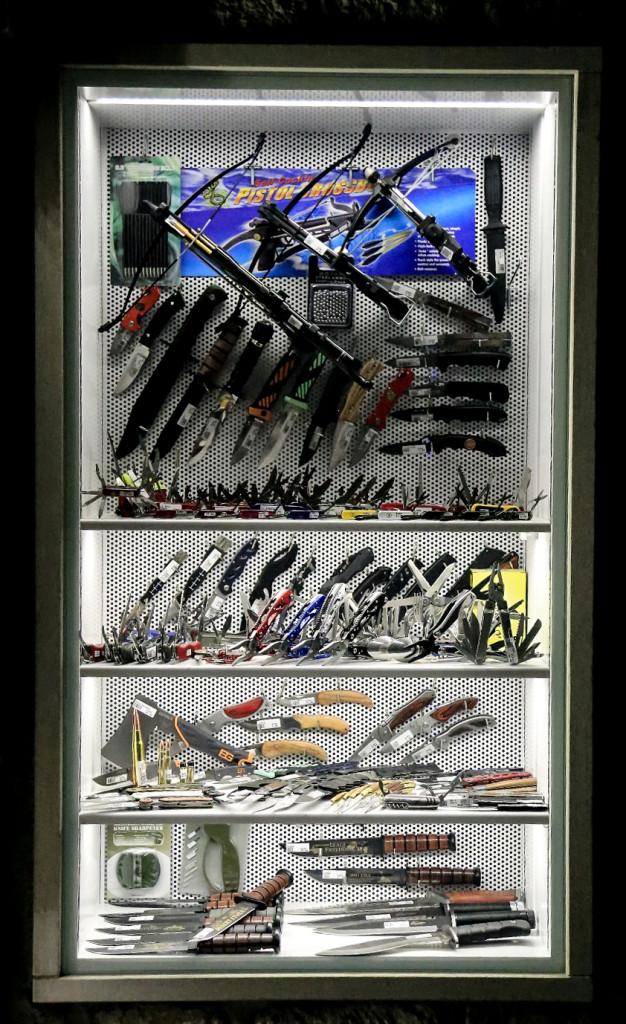 Prawdziwy raj dla miłośników broni białej...