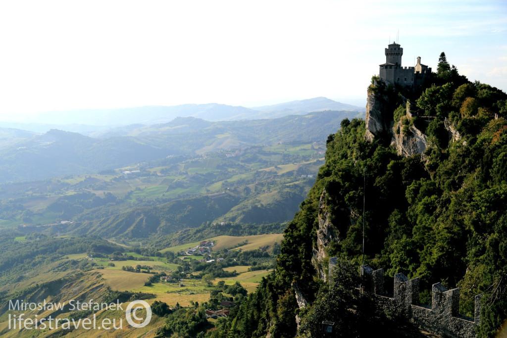 Castello Della Guaita za dnia.