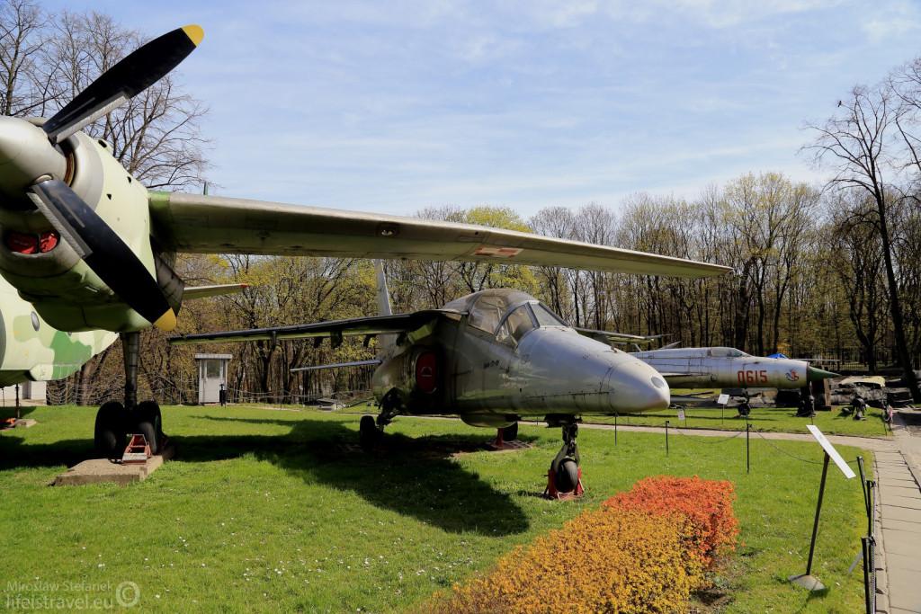 """Samolot szkolno-treningowy """"Iryda""""."""