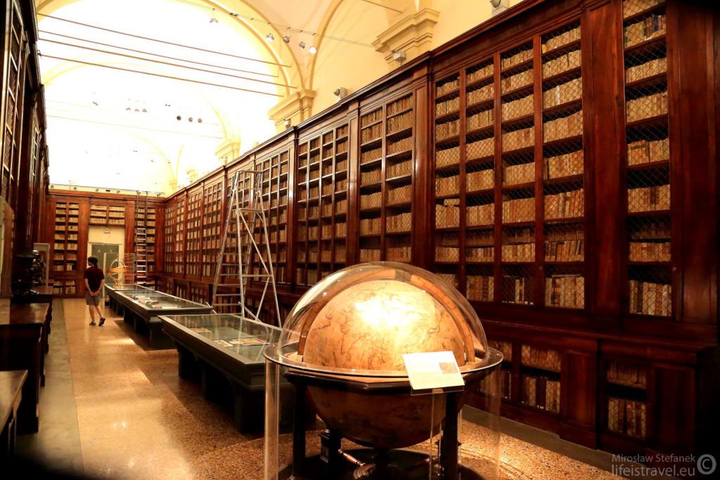 Pochodząca z 1724 roku biblioteka.