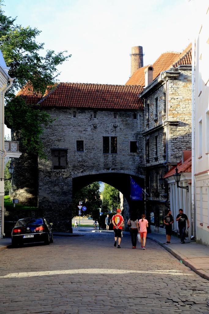 jedna z bram miejskich
