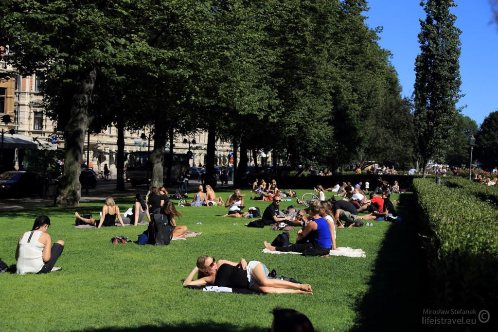 Był piękny, słoneczny ciepły dzień i bardzo dużo osób biwakowało na świeżym powietrzu
