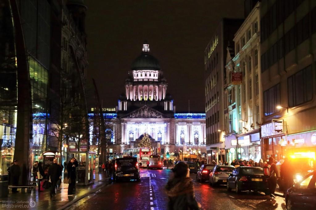 Belfast to duże miasto, żyjące takim samym rytmem jak wszystkie inne duże miasta