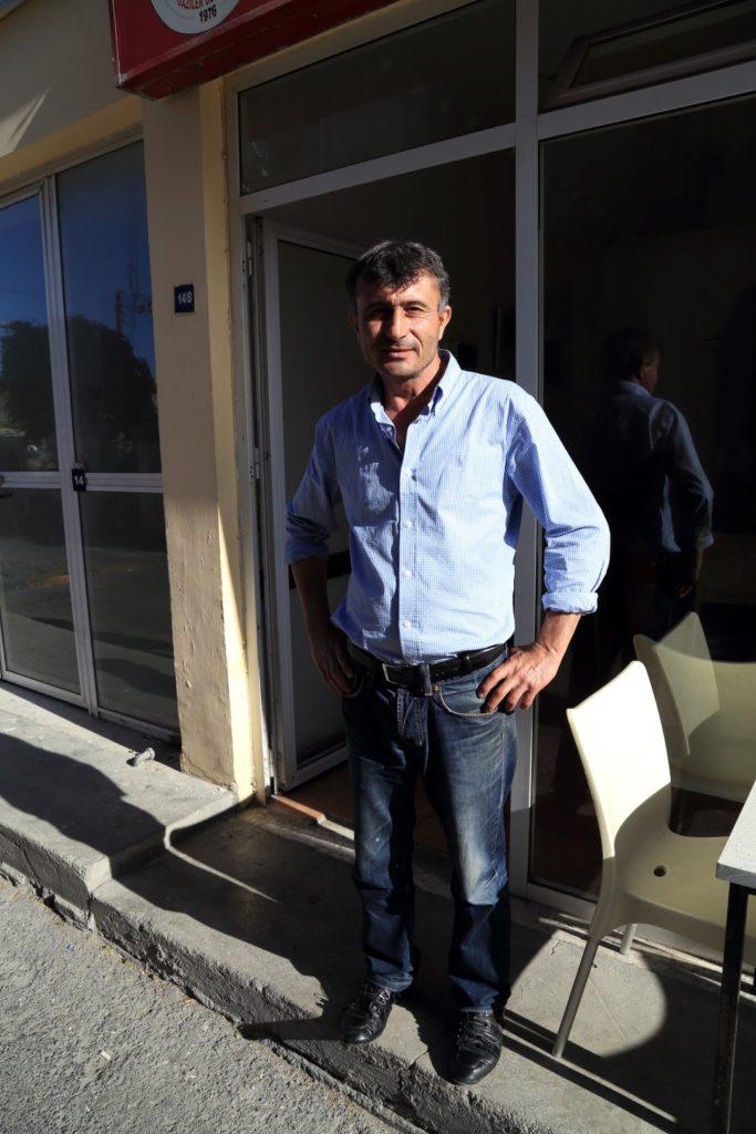 Semih Ozcan - były żołnierz i prawy człowiek. I przygotował najlepszą kawę jaką piłem na Cyprze...