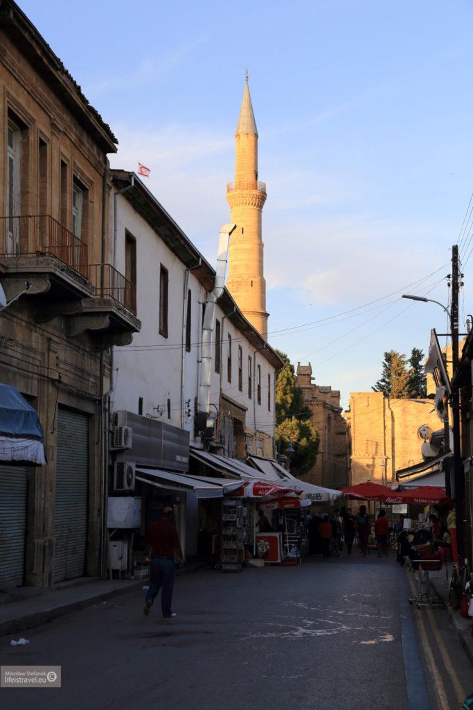 Jeden z meczetów Nikozji...