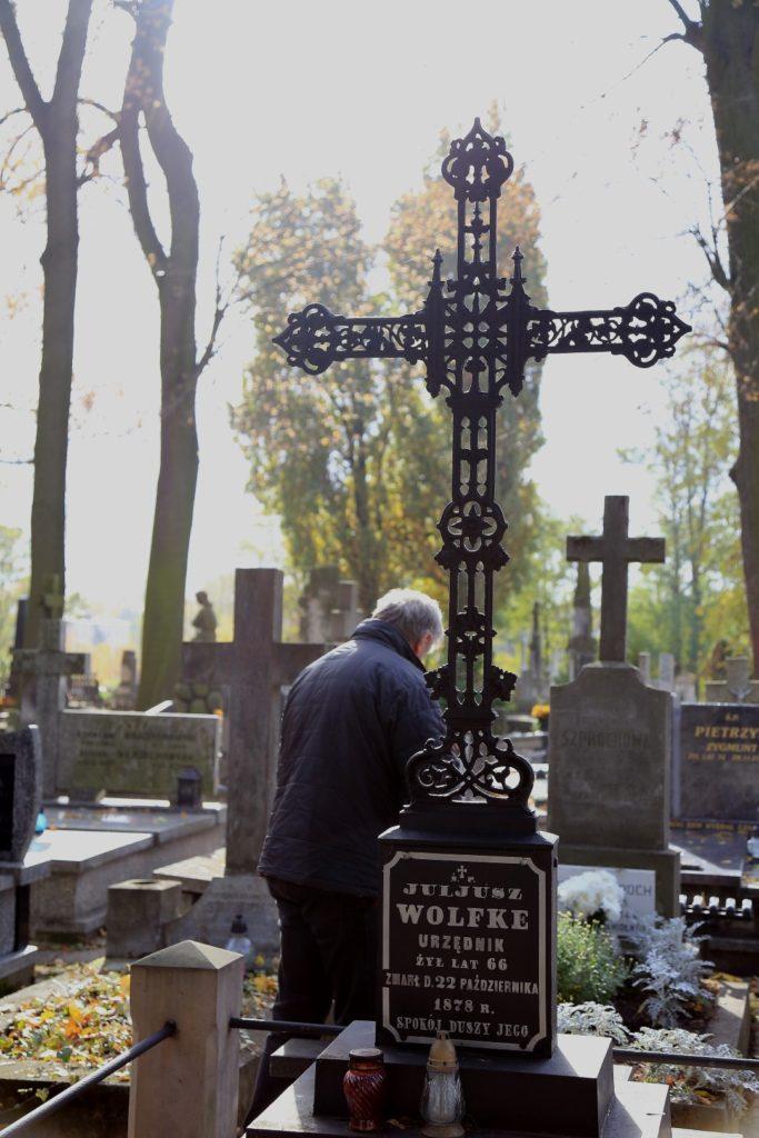 Piotrków był miastem wielu kultur. Żyli tu i umierali Polacy, Rosjanie, Żydzi, Ormianie i Niemcy.