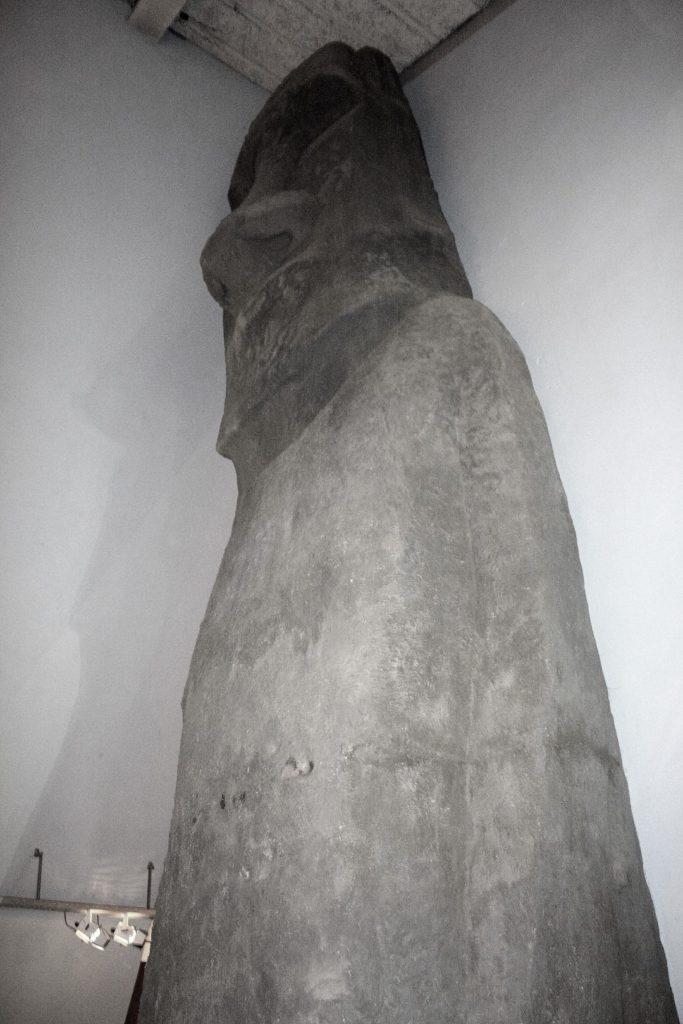 Majestatyczne figury z Wysp Wielkanocnych.